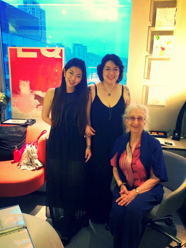 代理台灣藝術家張友鷦Jorinde Jankowski與母親