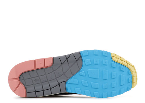 sneakers for cheap 987a1 26f84 We strongly recommend that you book your free returns pick-up within 7 days  of receiving your order to ensure that it arrives back in time.