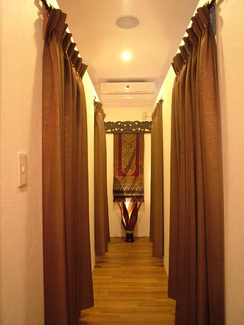 個室の廊下