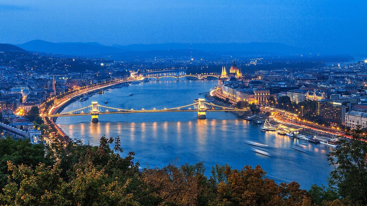 budapest-3760434_1920.jpg
