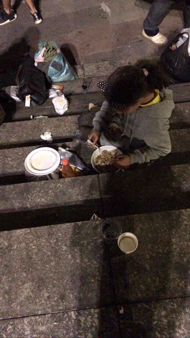 Criança e o jantar