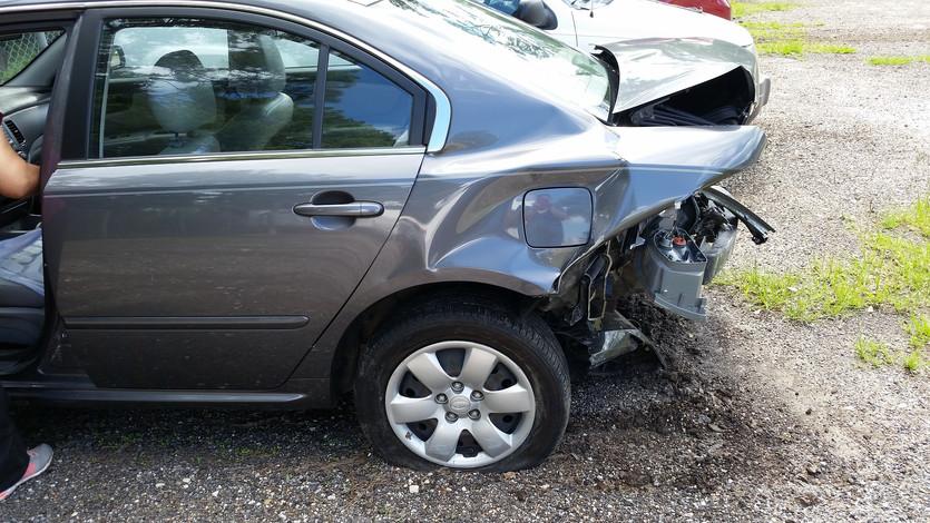 car-accident-2429527_1920.jpg