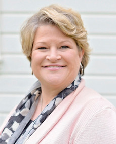 Pam Lyons