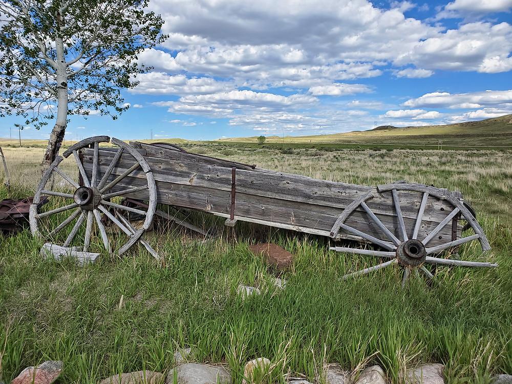 weathered wagon, prairie, Edness K. Wilkins State Park, Wyominge Park