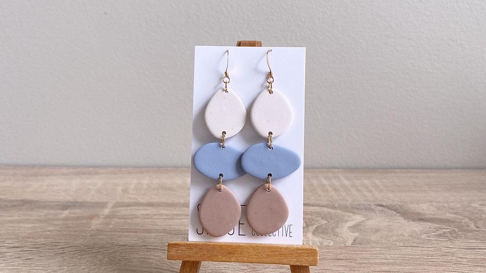 River - vanilla bean/ bluestone, sandstone