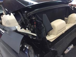 Het vastgelopen Volkswagen EOS dakje