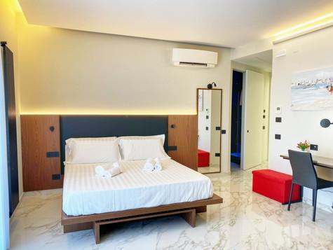 camera da letto arredamento su misura bed and breakfast (1).jpg