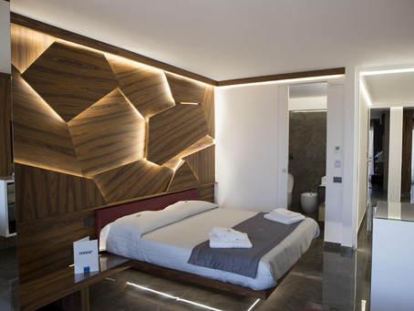 "Progetto Hotel e Bed & Breakfast: Upper Rooms ""Suite Rubino"""