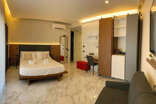 camera da letto arredamento su misura bed and breakfast (2).jpg