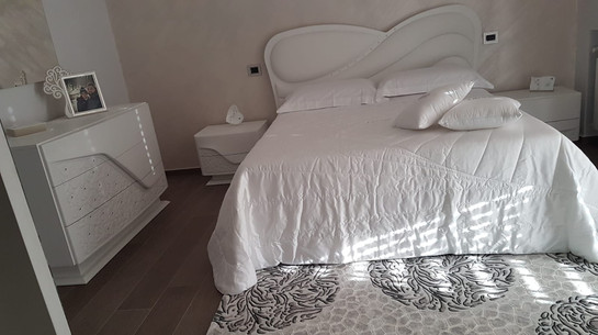 Camera da letto elegante laccato bianco
