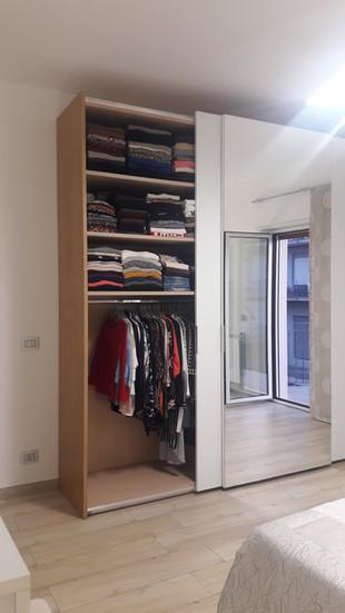 camera da letto moderna rovere e bianco