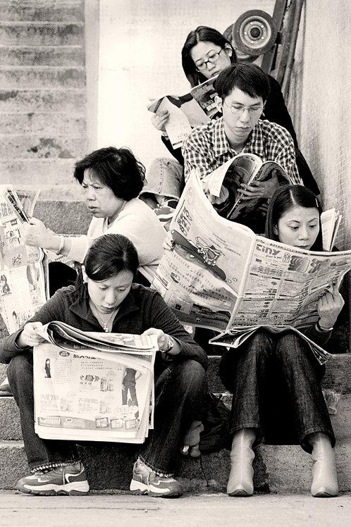 2 HONG KONG, CHINA - MORNING NEWS   2000