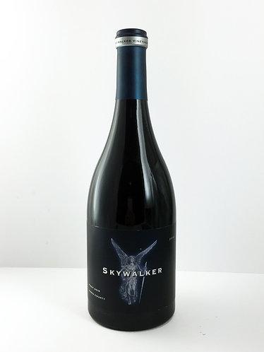 Skywalker Pinot Noir 2010 - 750ml