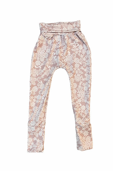 Grow with me Pants in Athletic knit.