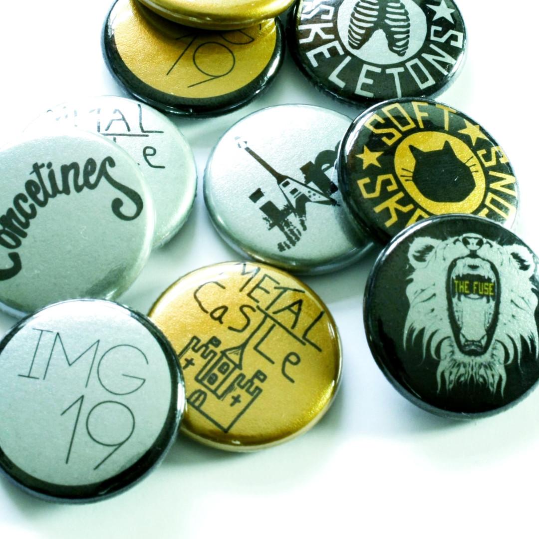Metallic Badges UK