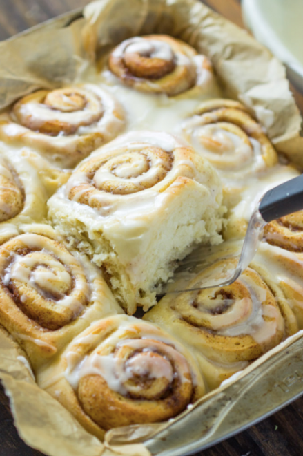 Cinnamon Buns w/ Cream Cheese Frosting