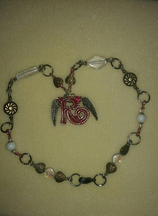 linked chain and pendant.jpg