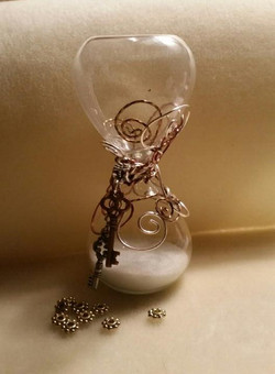 wire wrapped hour glass 2.jpg