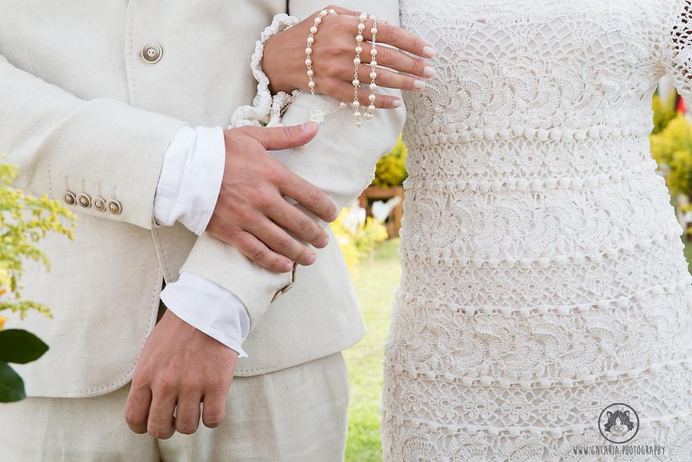 mãos dos noivos