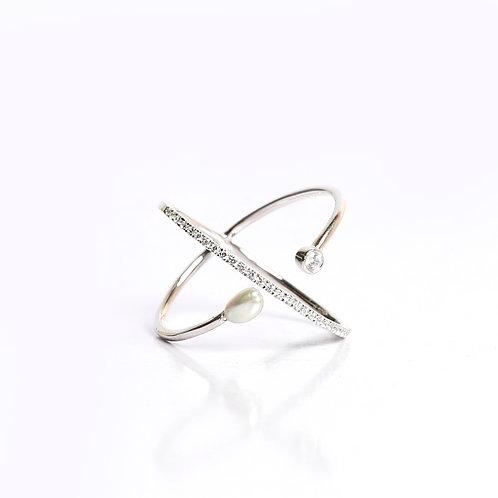 SIGNATURE KESHI AND American DIAMOND CROSS RING