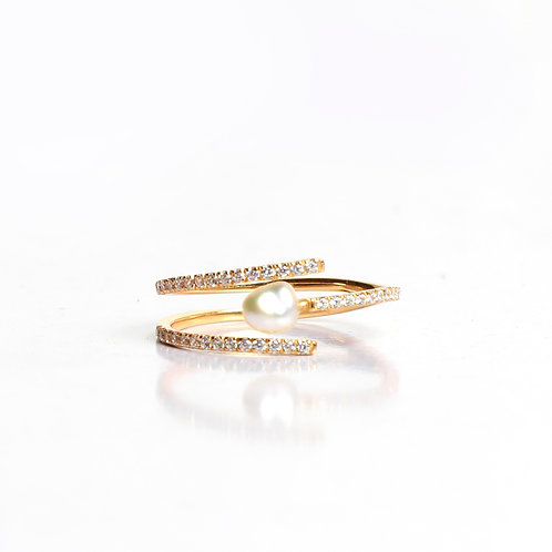 Double pave line keshi pearl ring