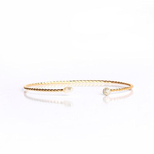 Bezel Set American Diamond with Center Keshi Pearl Chain Bracelet