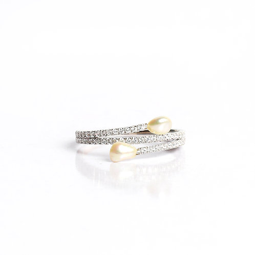 Classic Keshi Pearl and American Diamond Ring