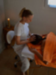 tout en symbiose, praticienne en médecine alternative, précillia ammar, nutrition sion, diététique sion, naturopathie sion, massage sion, bien-être, conseils en santé, massothérapie , santé, vex, valais, sion, massage sportif, massage relaxant,