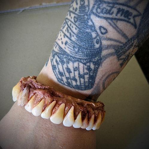 Wrist Gnawer
