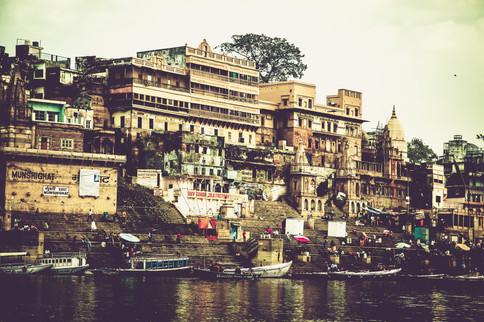 VaranasiIndia031017_193.jpg