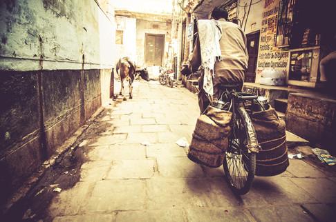 VaranasiIndia030317_208.jpg