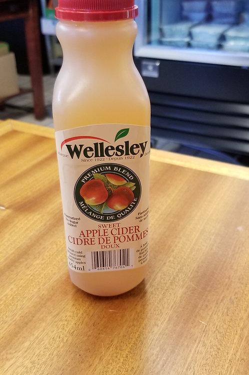 Wellesley Sweet Apple Cider (454mL)