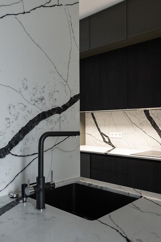 Кухонная столешница из искусственного камня Avant  7300 Калакатта Аяччо