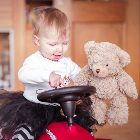 Babyfoto mit Teddybär.jpg