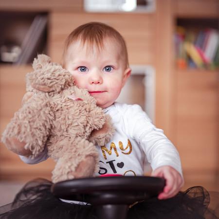 Babyfoto mit Teddy.jpg