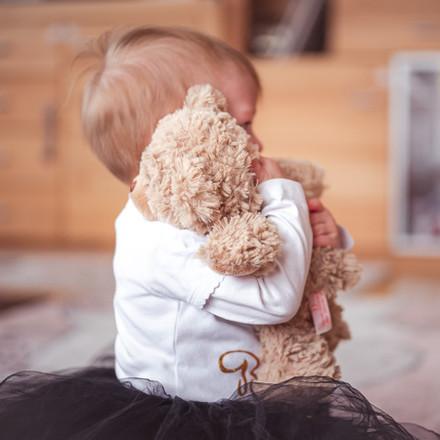 Babyfoto beim spielen.jpg