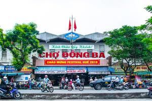 Đông Ba Market