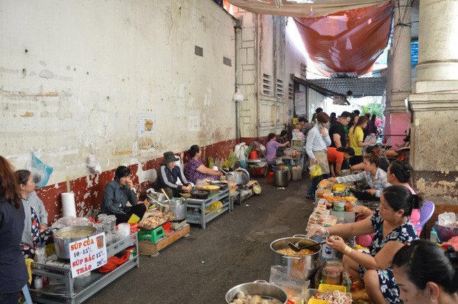 street-food alley