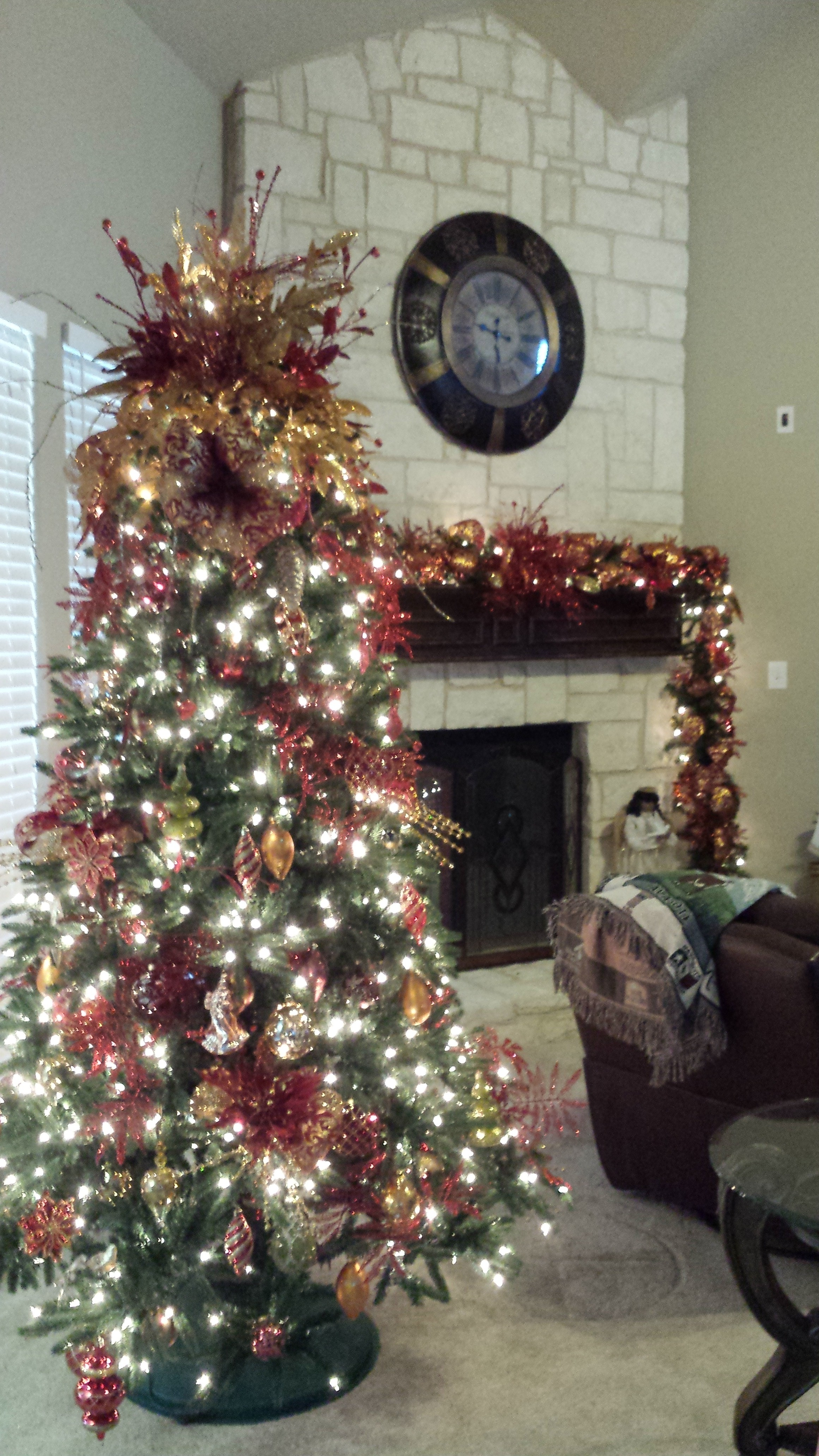 Christmas tree decorating service
