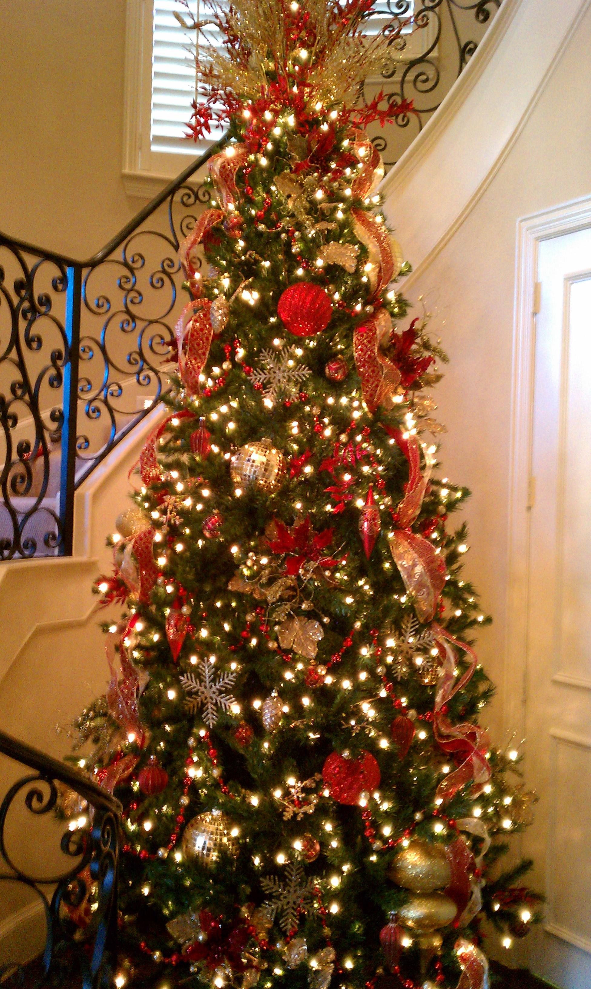 Christmas tree decorating service