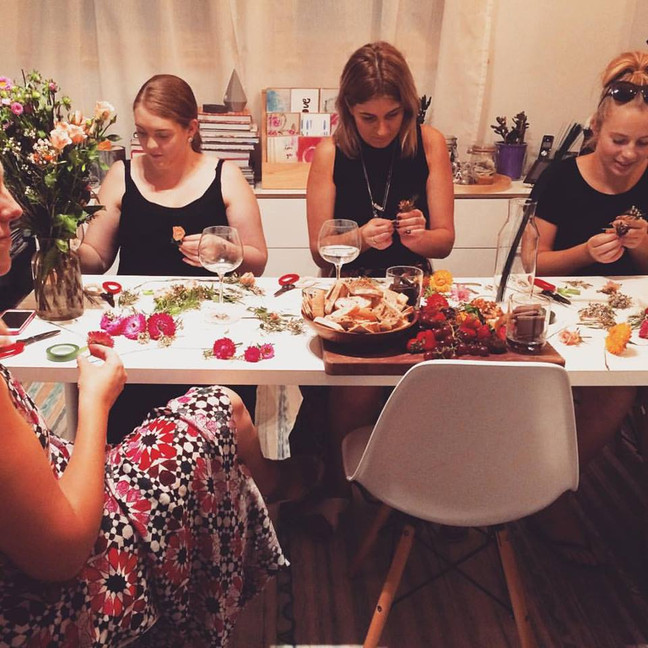 FRIDAY NIGHT FLEURS (and wine!) Workshops with @mudgeecreative