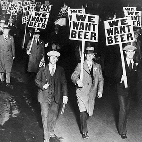 Men protesting prohibition, 1925