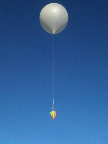 _65186879_balloonliftoff.jpg