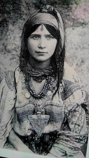 Moroccan Jewish girl