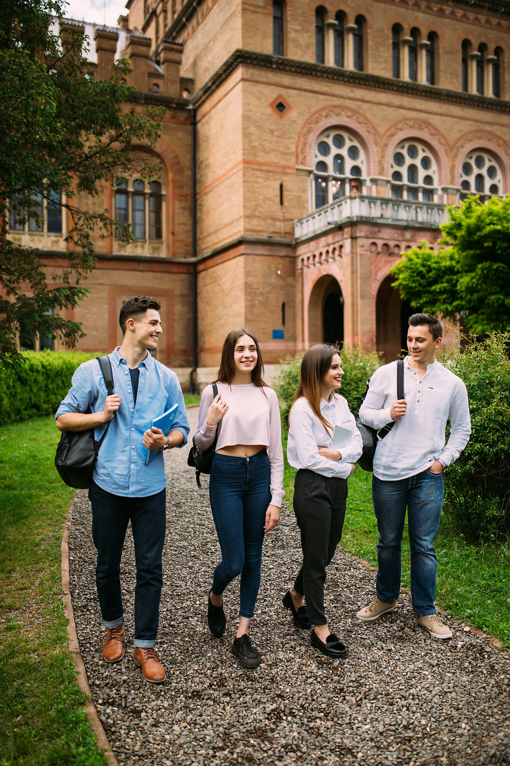 A group of teenagers visiting a university: The Parents' Guide to