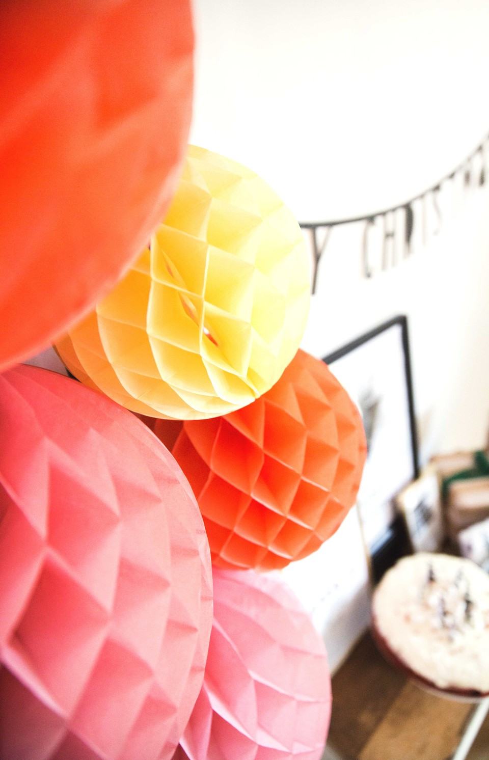 DIY, Tutorial, How to, Anleitung, Aufbauhilfe, Wabenbälle, Honeycombs, Dekotipps, Partydeko, Party in a Box, Party aus der Box