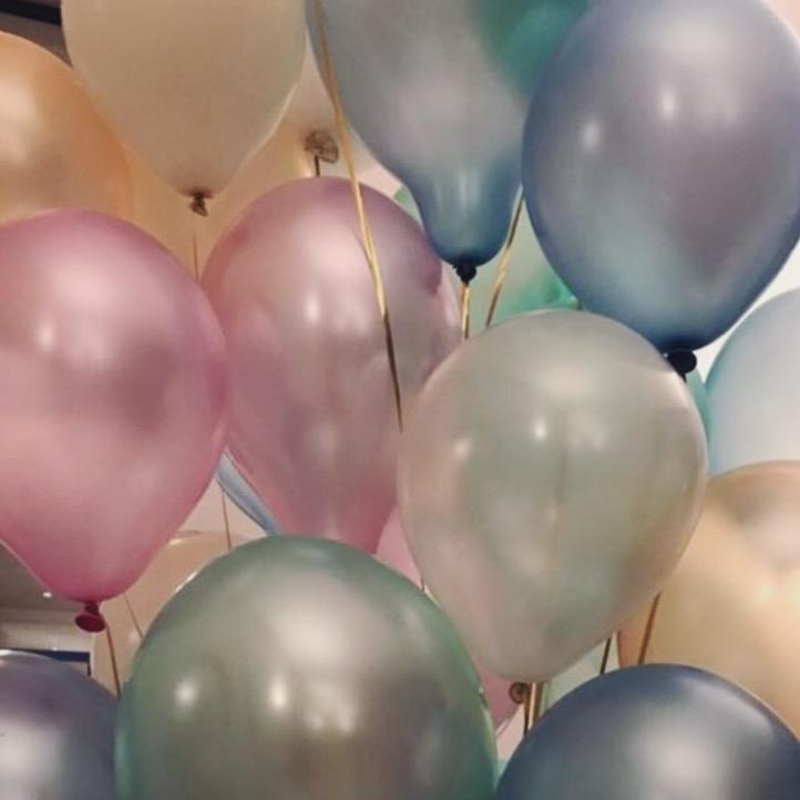 Wir leben von Luftballons & Liebe