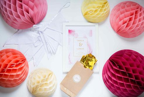 Hochzeitsdeko, Vintage, weiß, Honeycombs, Folienballons, Wimpelgirlande