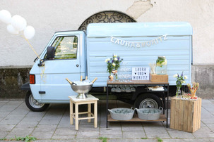 Horst, Sektempfang, Horst on Tour, Hochzeit, mobile Bar, Pop up Bar, Foodtruck, Barkeeper, München, Standesamt, Kirche, Mandlstraße