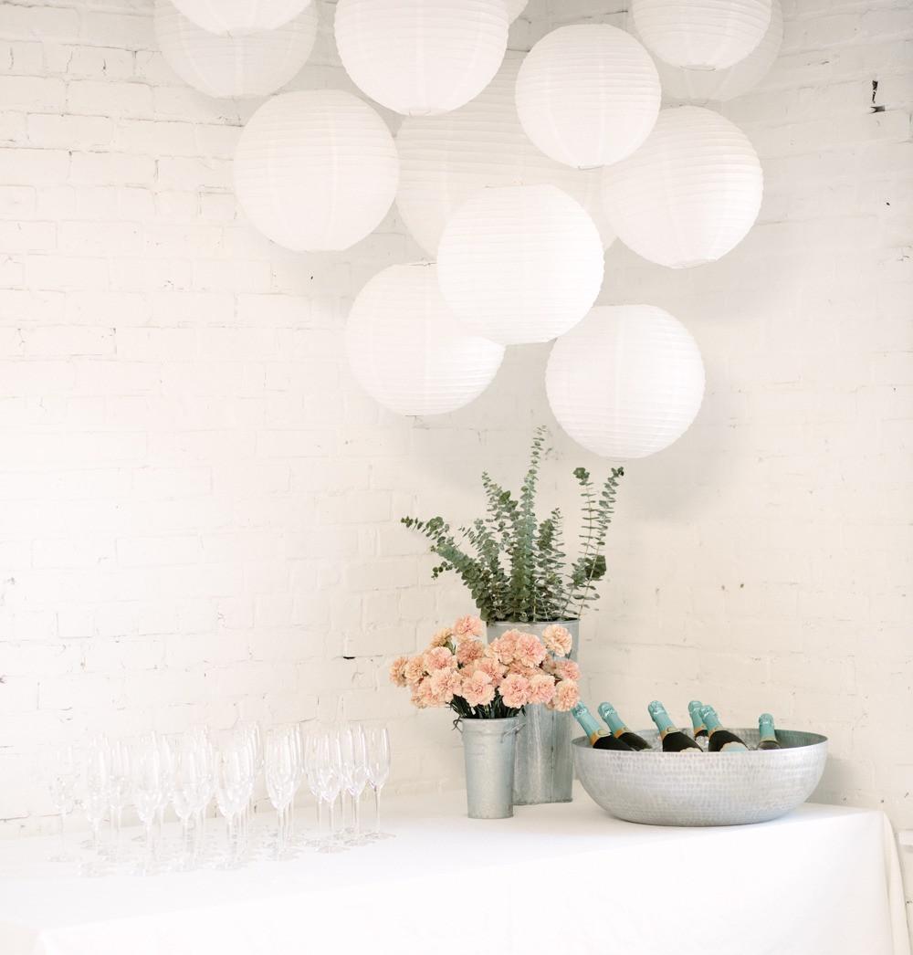 Dekoideen, Dekotipps, Honeycombs, Girlanden, Hochzeitsdeko, Partydeko, Tipps, Hacks, How to, Dekofächer, Ballons, Ballongirlande, Sweet Table